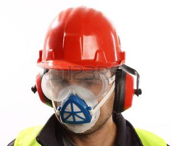 16222037-travailleur-avec-casque-rouge-et-un-masque-sur-blanc