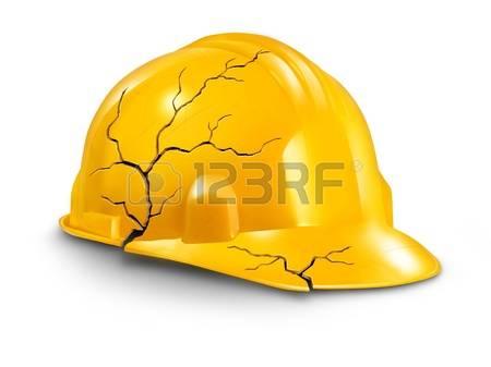 17811632-accidents-du-travail-et-risques-pour-la-sant-au-travail-comme-un-casque-cass-casque-jaune-craquel-e