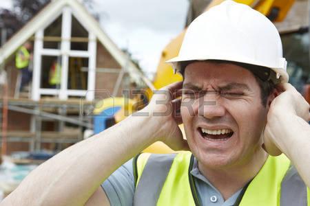 42647873-la-souffrance-de-la-construction-de-la-pollution-sonore-sur-la-construction-du-site