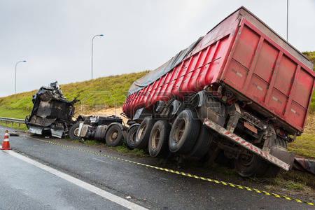 44214844-accident-charg-es-de-bl-en-vrac-par-camion