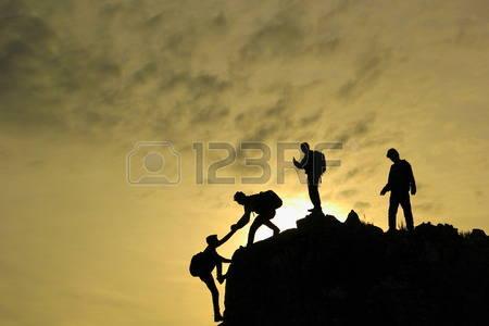 40570326-jeune-quipe-de-grimpeur